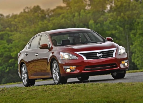 Nissan Recalls More Than 1 Million Cars for Airbag Sensors