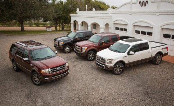 New 2015 Ford King Ranch Trio Heads to King Ranch, Takes 4000 Selfies