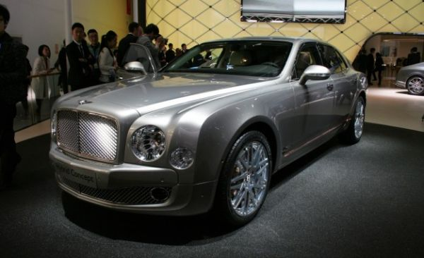 Bentley CEO Details Brand's Future Plug-In Hybrid System