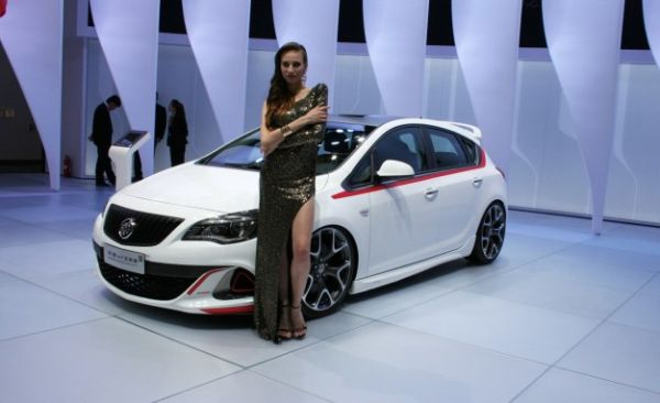 Now Here's a Pair of Hot Buicks You Should Want [2014 Beijing Auto Show]